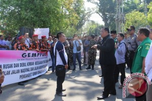 Gemppur Ancam Boikot Produk Semen Conch