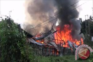 Empat Rumah Di Kotabaru Hangus Terbakar
