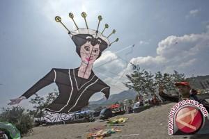 Lima Negara Ramaikan Festival Layang-Layang