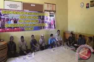 Adaro Bantu Masyarakat Mengakses Air Bersih