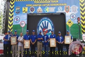 Enam Kepala Daerah Terima Penghargaan Kapolda Kalsel