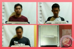 Polsekta Banjarmasin Timur Tangkap Tiga Pemuda Miliki Sabu-Sabu