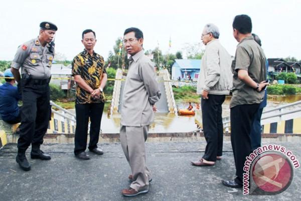 DPR- RI Tinjau Ambruk Jembatan Bangkit Baru-Tanipah