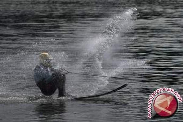 Ski Air dan Wakeboard Indonesia Pecahkan Rekor