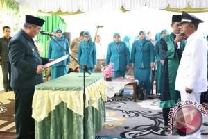 Bupati HSS Lantik Kepala Desa Tawia Jamaludin