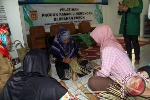 Banjarbaru Kembangkan Kerajinan Berbahan Ramah Lingkungan