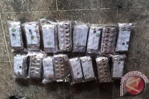 Polisi Sita 10 Boks Zenith Dari Pengedar - (d)