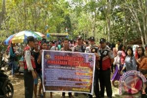 Polsek Tapin Selatan Sosialisasi Karhutla di Danau