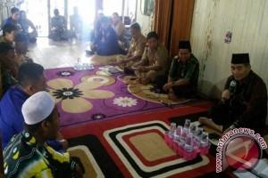 Bupati HSS Himbau Warga Laporkan Penyetruman Ikan
