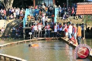 Tala Gelar Lomba Sepeda di Atas Air