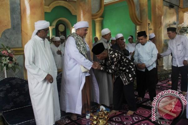 Ribuan Jamaah Hadiri Haul Pendiri Ponpes Ibnul Amin