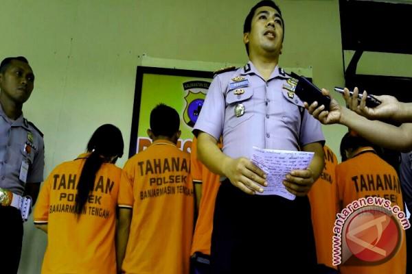 Polisi Ungkap Pesta Narkoba Di Kamar Indekos