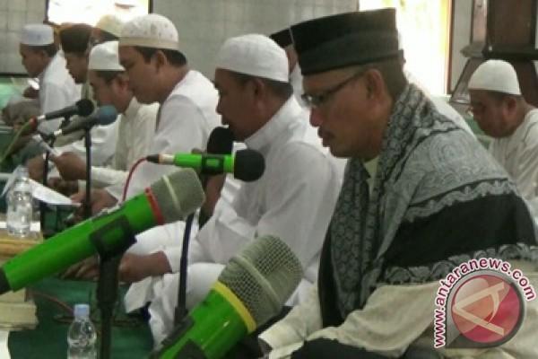 Warga Doa Bersama Sambut Tahun Baru Hijriah