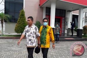 Muslih Dan Iwan Rusmali  Dibawa Keluar Ditreskrimsus