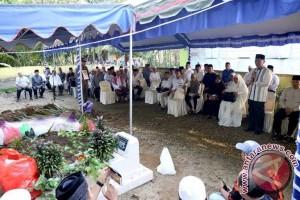 Mantan Bupati HSS Dimakamkan di Sungai Kudung