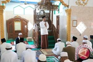 Bupati Shalat Ied di Mesjid Gunung Makmur