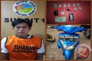 Polisi Tangkap Pengedar 20 Paket Sabu-Sabu