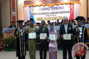 Gubernur Kalsel Terima ULM Award