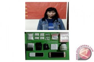 Ibu Rumah Tangga Tertangkap Jadi Kurir Narkoba