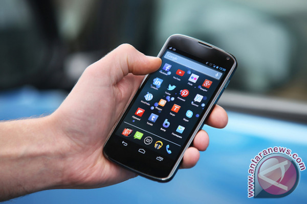 Banjarmasin disseminates smart use of phone