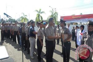 Delapan Belas Anggota Polres Tabalong Terima Penghargaan
