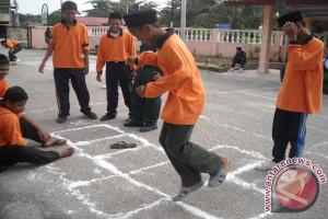 Sekolah Di Tanah Bumbu Lestarikan Permainan Tradisional