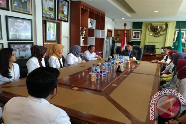 12 Dokter Internship Bertugas Di Tapin