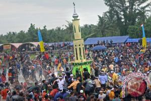 Ribuan Orang Ikuti Ritual 'Mandi Safar