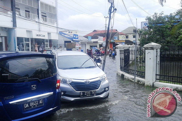 A number of residential areas in Banjarmasin inundated
