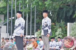 HSS Gelar Peringatan Hari Guru dan HUT ke-72 PGRI