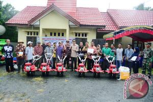 Kelompok Tani Kecamatan Panyipatan Terima Bantuan Alsintan