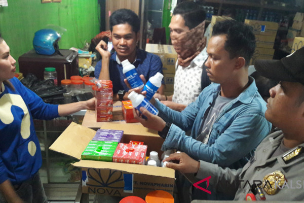Polisi Tindak Toko Penjual Alkohol Tanpa Izin