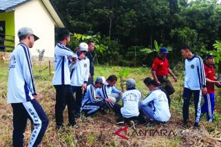Sekolah Adiwiyata Dapat Bantuan Bibit
