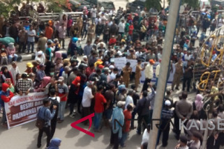 Massa Pendukung Tambang Pulaulaut Gelar Aksi Damai