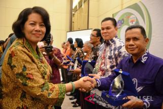 Tiga Kominfo Kabupaten dan Provinsi Raih Penghargaan