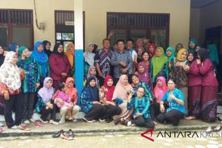 Puluhan Guru TK Tabalong Mengadu Ke Dewan