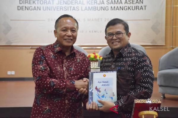 Kemenlu Buka Pusat Studi ASEAN di ULM