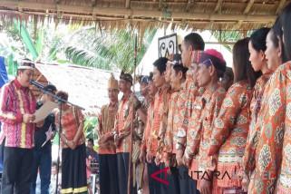 Dua Anggota DPRD Dilantik Sebagai Pengurus Dewan Adat Dayak