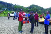 Bantuan Perahu Untuk Kelompok Ekowisata