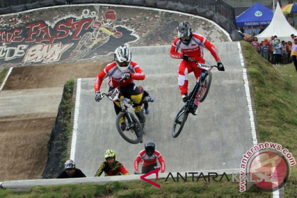 Tim BMX diuji pada dua kejuaraan dunia