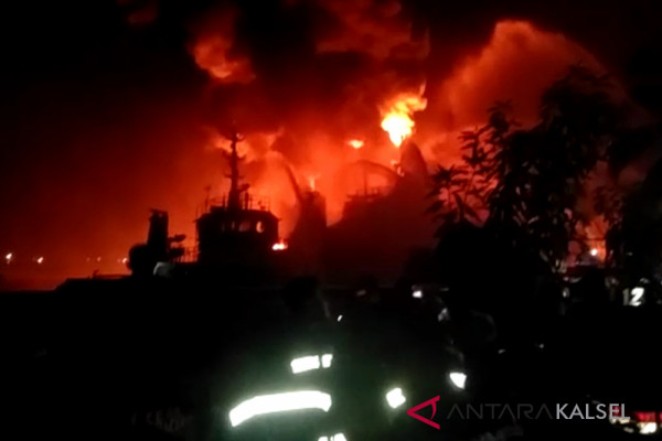 We immediately investigate cause of tanker fire: police chief