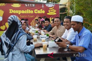 Humaspro Batola  buka puasa di Cafe Despacito
