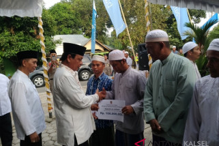 Paman Birin Bantu Rp900 juta Untuk Pembanguan Tempat Ibadah