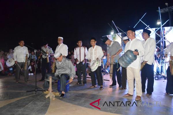 Video -  Group bagarakan sahur pimpinan Bupati Balangan