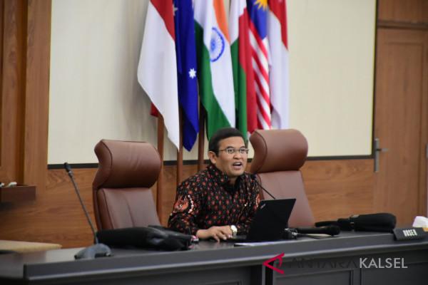 Rektor ULM jadi narasumber di Sesko TNI