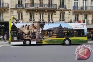 Bus wisata Wonderful Indonesia di Lapangan Merah Moskow