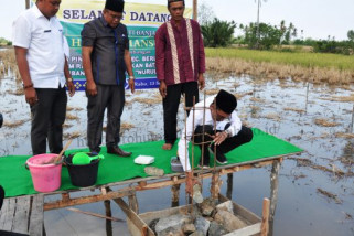 Peletakan batu pertama masjid Nurul Ishlah
