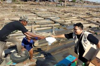 Komunitas Selfi bagikan 800 nasi kotak bagi pekerja