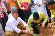 Bupati hadir peletakkan batu pertama pembangunan masjid