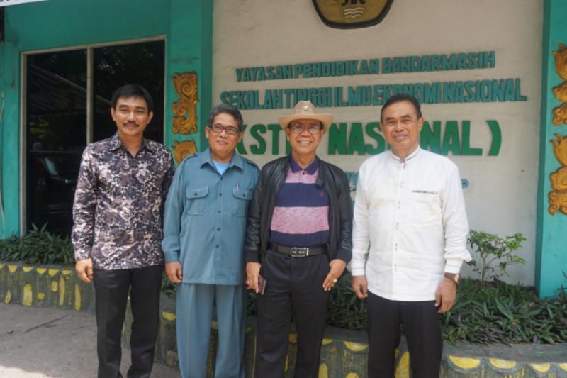 Prof Idiannor langsung Kuntau ke PTS di Banjarmasin